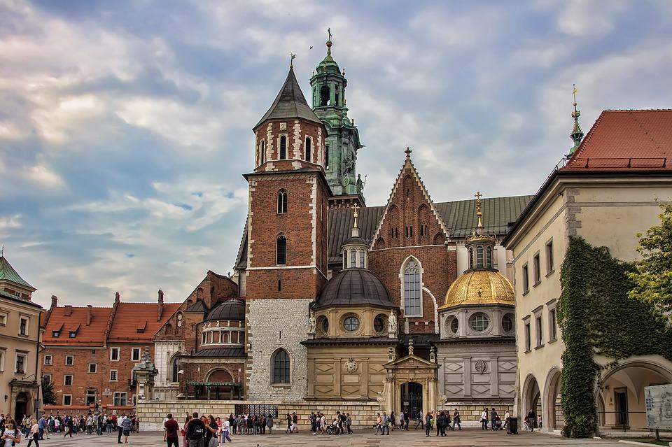 поступить в Польшу, высшее образование в Польше, учеба в Польше, обучение в Польше, образовательный центр AMBASADOR, Вавельский замок