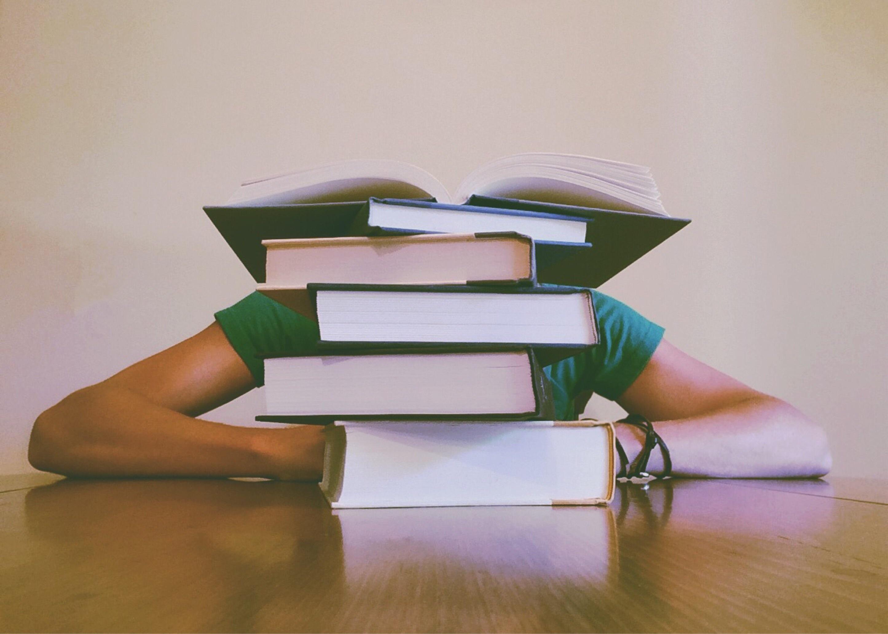 поступить в Польшу, высшее образование в Польше, учеба в Польше, обучение в Польше, образовательный центр AMBASADOR, польский язык